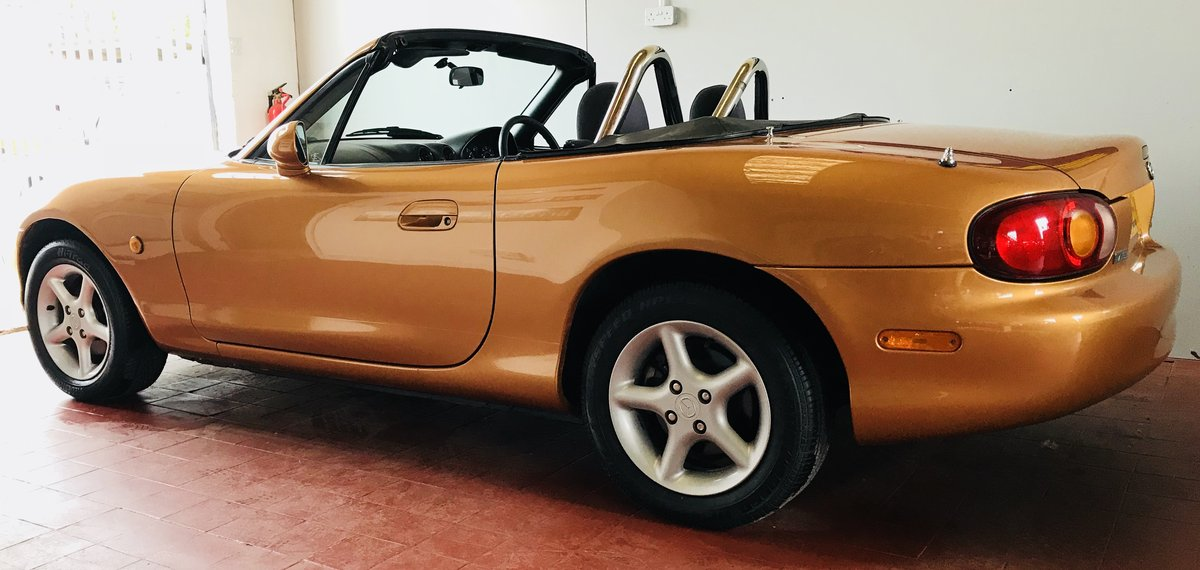 1998 Immaculate Mazda MX5 For Sale (picture 1 of 6)