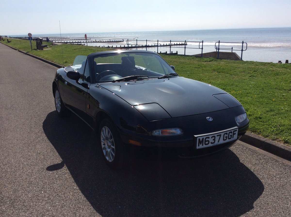 1995 Mazda MX5 1.8i Black, only 42000 miles For Sale (picture 1 of 6)