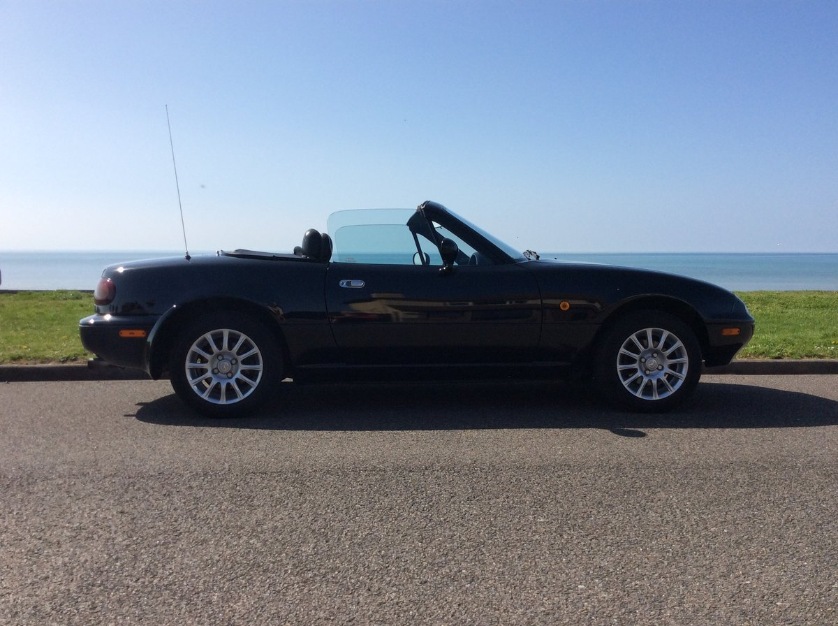 1995 Mazda MX5 1.8i Black, only 42000 miles For Sale (picture 3 of 6)