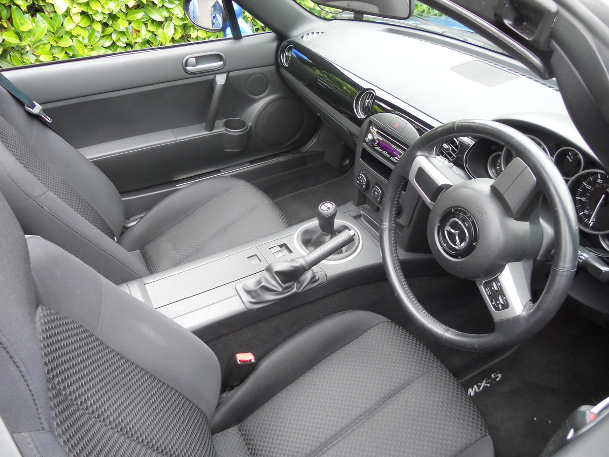 2006 Mazda MX-5 MK3 1.8 Convertible Winning Blue SOLD (picture 4 of 6)