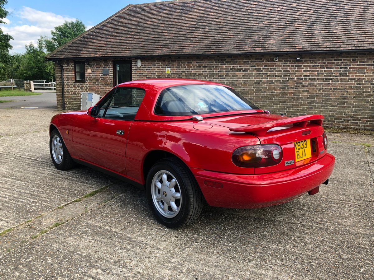 1992 Mazda MX5 Eunos Roadster Original Example For Sale (picture 3 of 6)