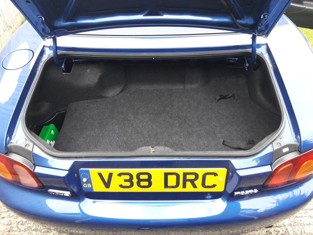 1999 12865 miles Mazda MX5 1.8iS 10th Anniversary For Sale (picture 5 of 6)