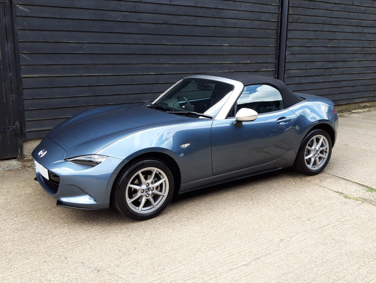 2017 MAZDA MX5 1.5 SKYACTIVE-G ARCTIC Ltd Ed, Low Miles, 1 Owner SOLD (picture 3 of 6)