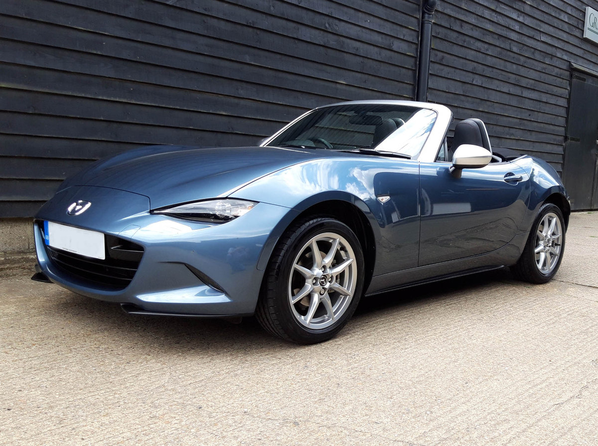 2017 MAZDA MX5 1.5 SKYACTIVE-G ARCTIC Ltd Ed, Low Miles, 1 Owner SOLD (picture 4 of 6)