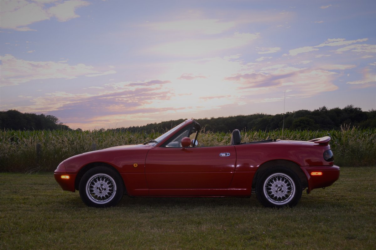 1991 Mazda MX5 Eunos Roadster Automatic For Sale (picture 1 of 6)