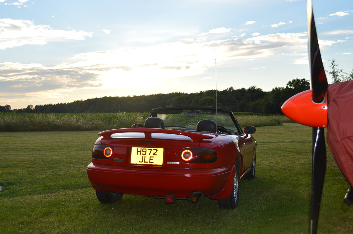 1991 Mazda MX5 Eunos Roadster Automatic For Sale (picture 2 of 6)