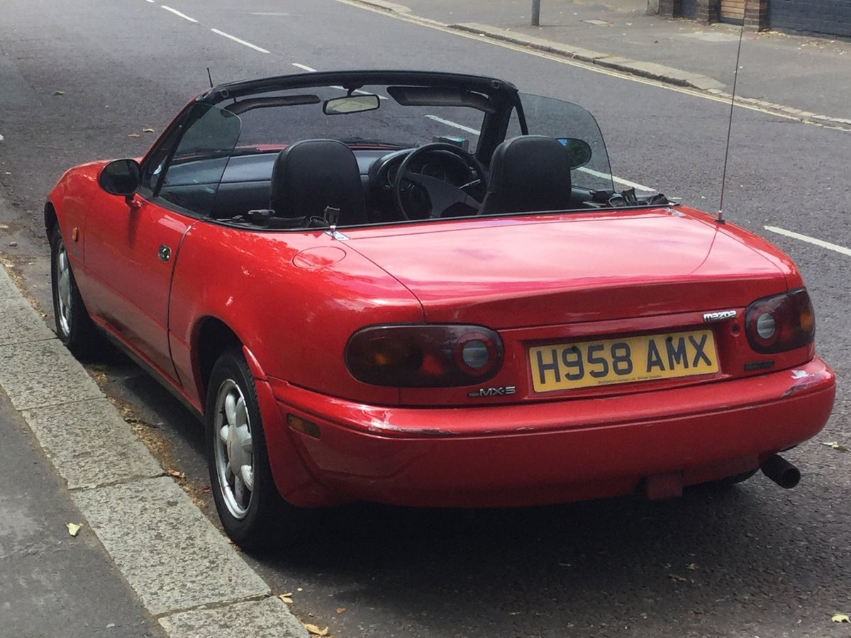 1991 A beautiful early red MX-5, only two owners SOLD (picture 2 of 6)
