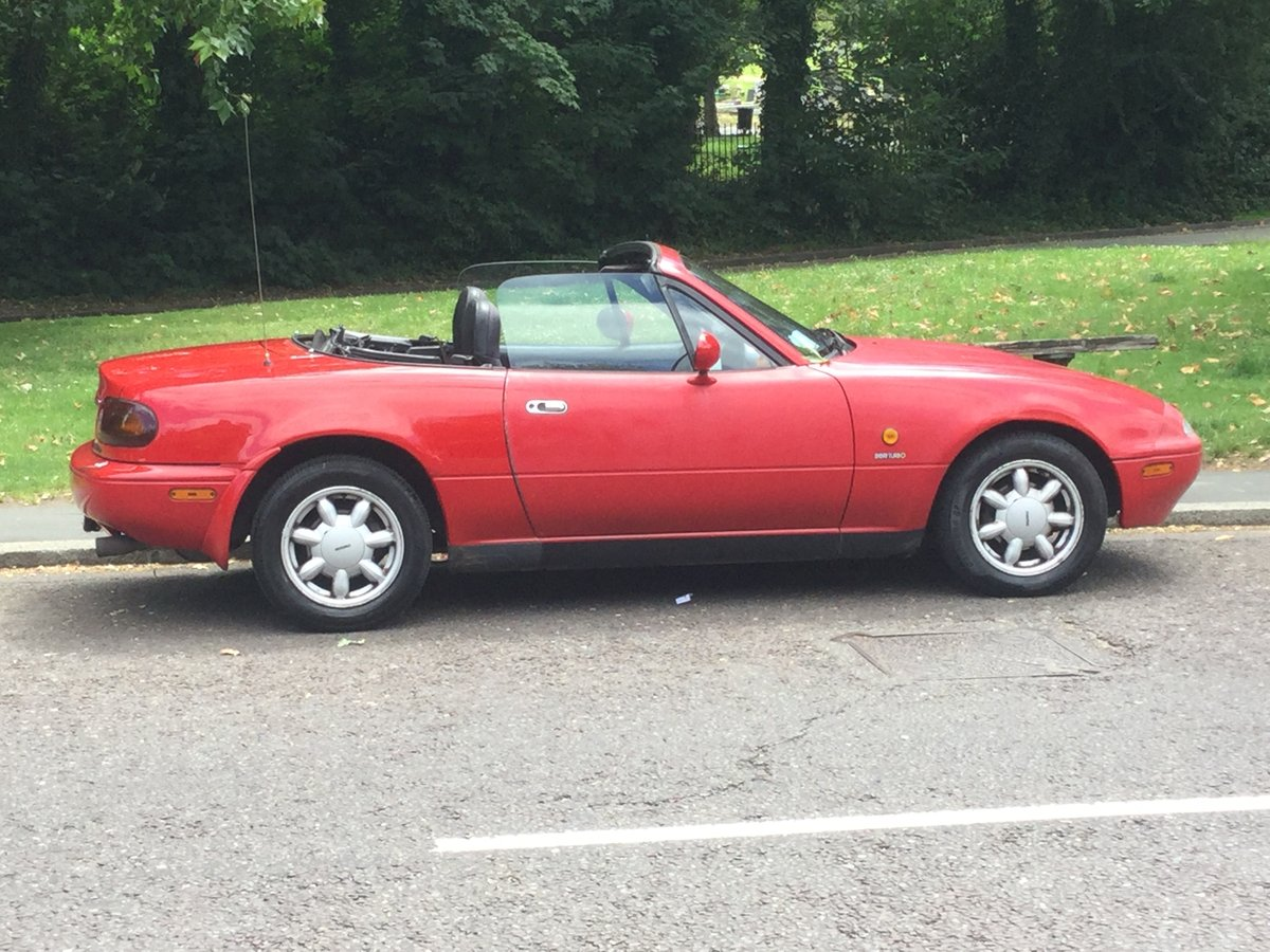 1991 A beautiful early red MX-5, only two owners SOLD (picture 4 of 6)