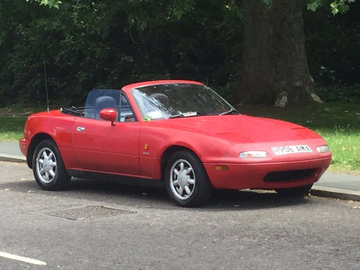 1991 A beautiful early red MX-5, only two owners SOLD (picture 6 of 6)