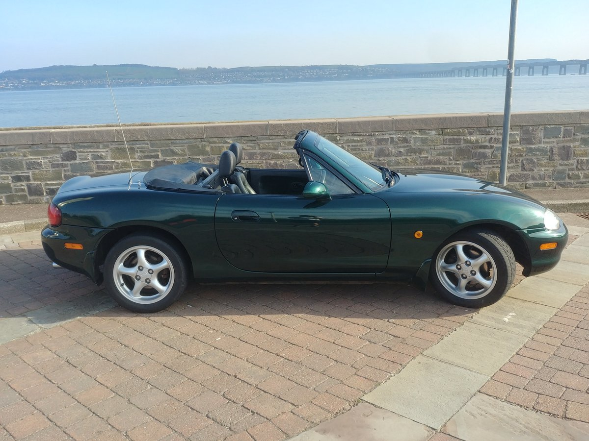 MX-5 Mk2 1.8 iS 5 Speed Manual LSD ABS Green 2000 SOLD (picture 1 of 6)