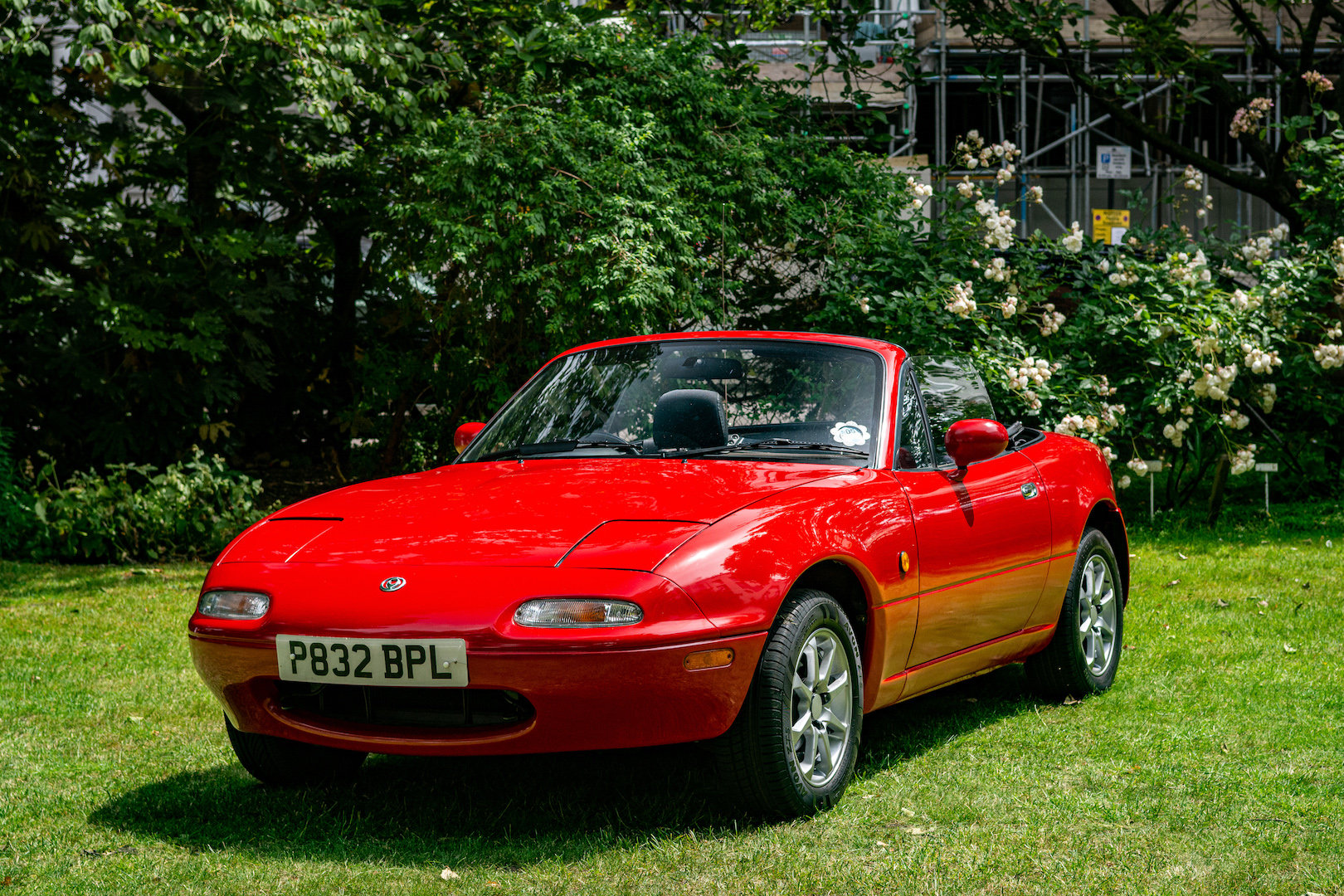 1996 Newly-restored Mazda MX5 Mk 1, low mileage for age For Sale (picture 1 of 6)