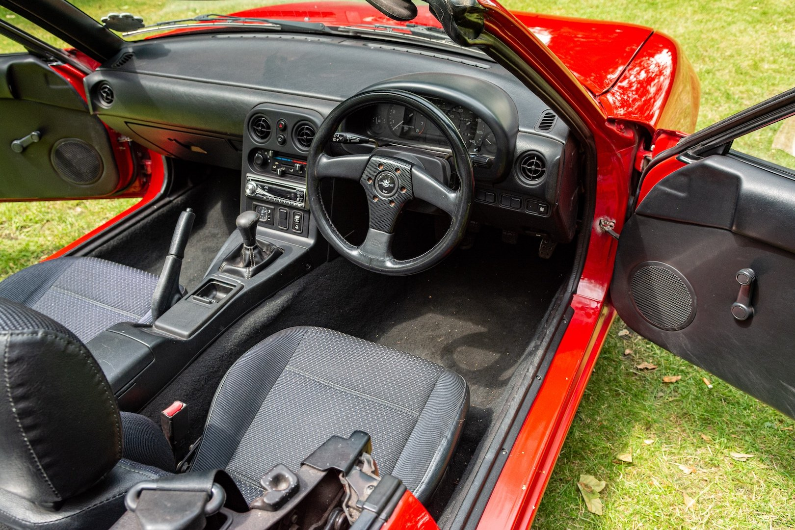 1996 Newly-restored Mazda MX5 Mk 1, low mileage for age For Sale (picture 3 of 6)