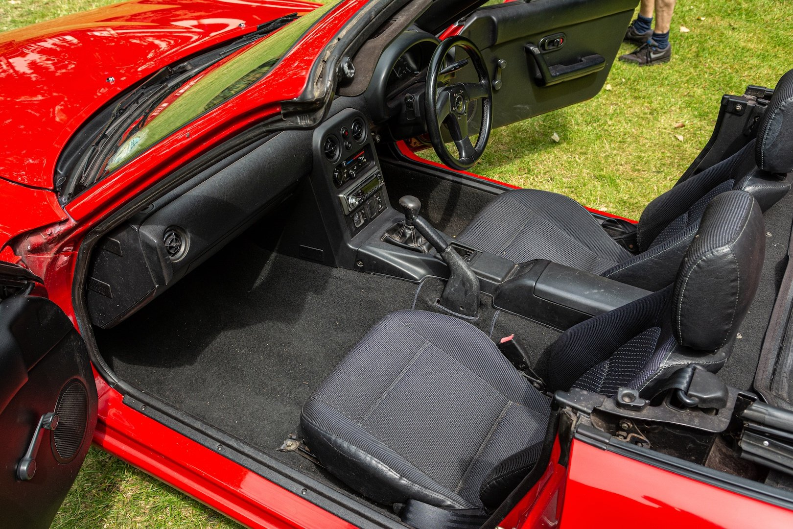1996 Newly-restored Mazda MX5 Mk 1, low mileage for age For Sale (picture 4 of 6)