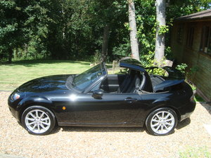 2008 Mazda MX5 2.0 Roadster Sport Electric Folding Roof Coupe.