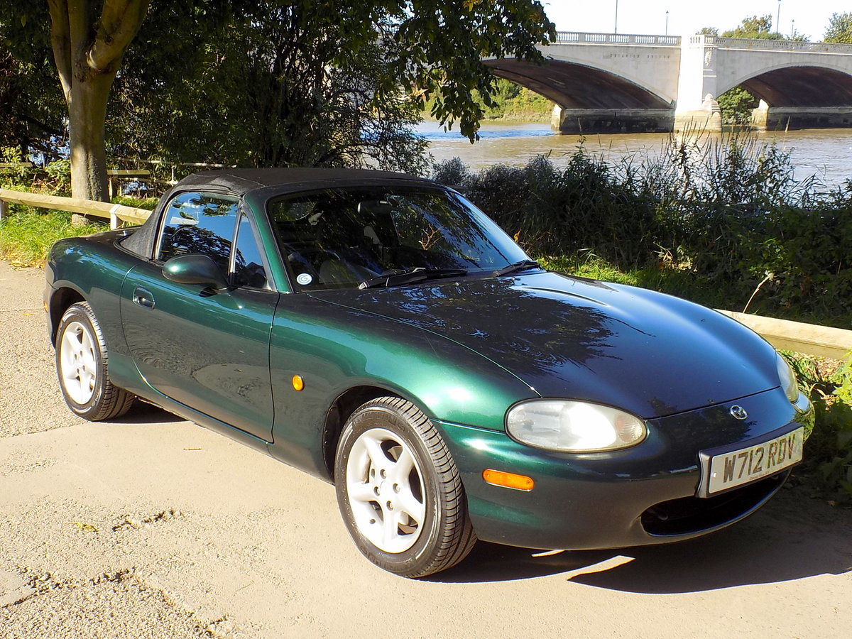 2000 MAZDA MX5 SPORTS CONVERTIBLE WITH HARD & SOFT TOPS For Sale (picture 1 of 6)