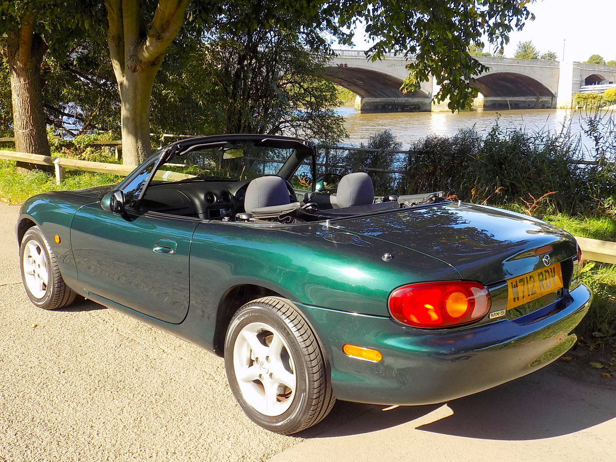2000 MAZDA MX5 SPORTS CONVERTIBLE WITH HARD & SOFT TOPS For Sale (picture 2 of 6)
