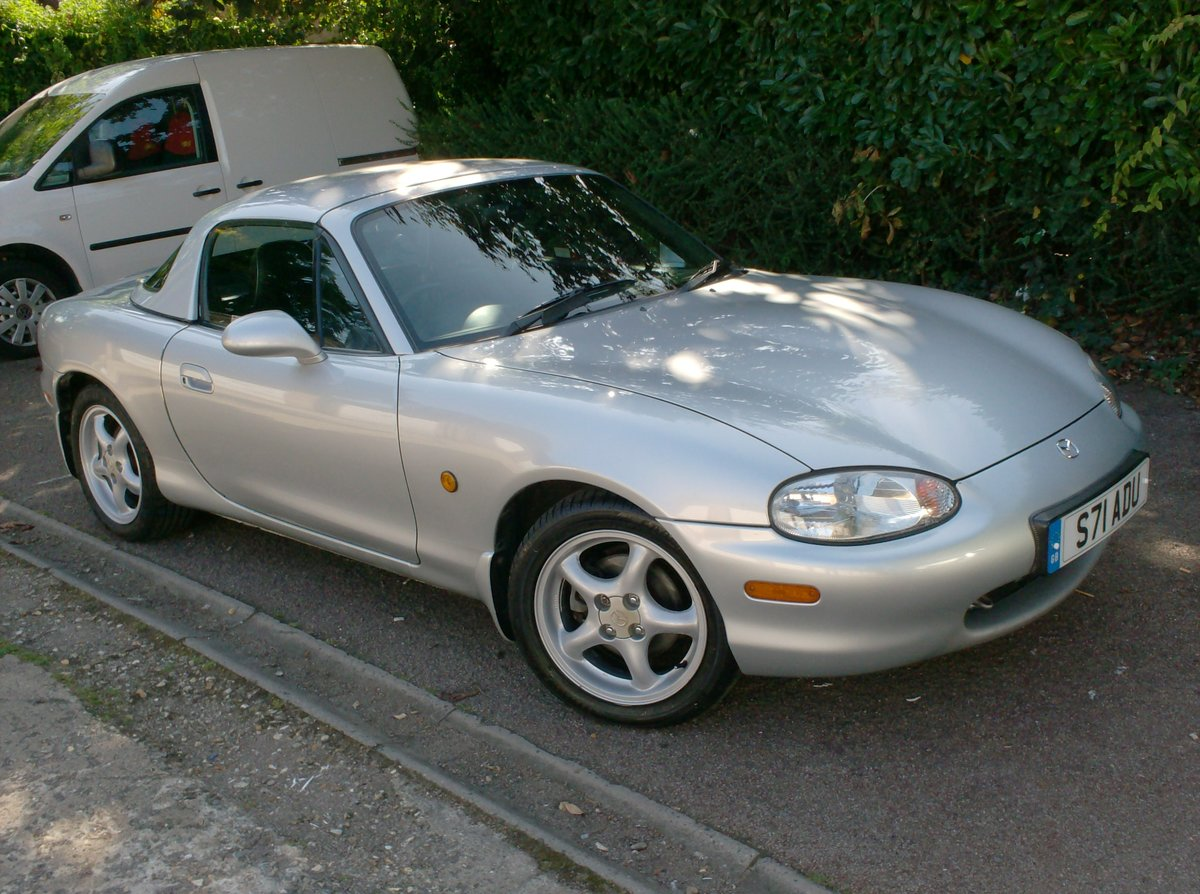 1998 Mazda MX-5 1.8i S Sports Convertible For Sale (picture 1 of 6)