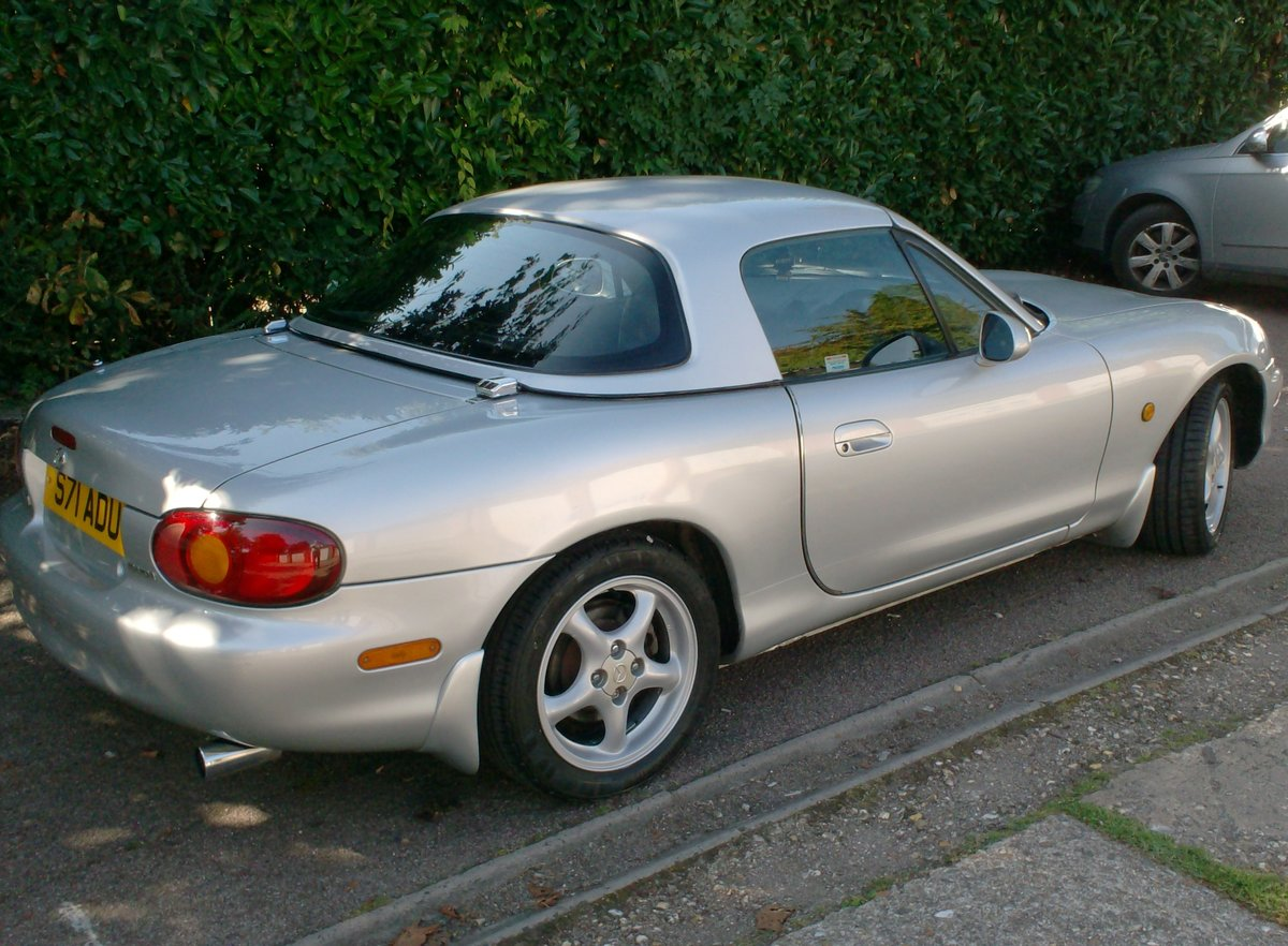 1998 Mazda MX-5 1.8i S Sports Convertible For Sale (picture 2 of 6)