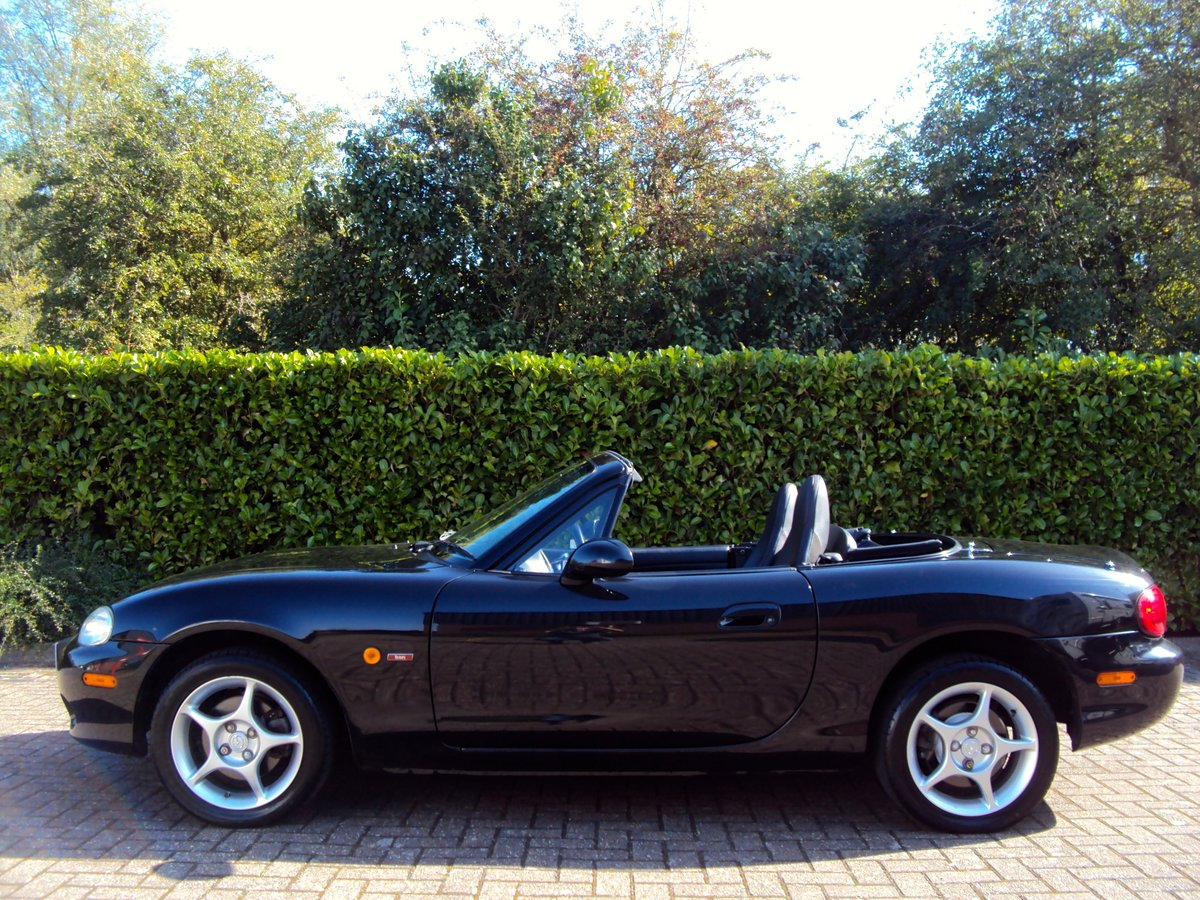 2005 A STUNNING Low Mileage Mazda MX-5 1.8i ICON **37,000 MILES** For Sale (picture 2 of 6)