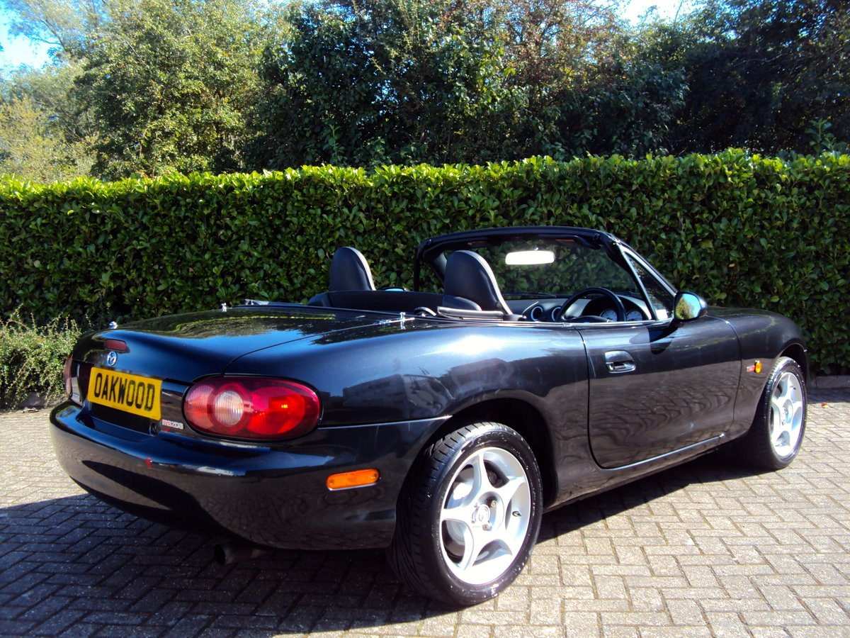 2005 A STUNNING Low Mileage Mazda MX-5 1.8i ICON **37,000 MILES** For Sale (picture 3 of 6)