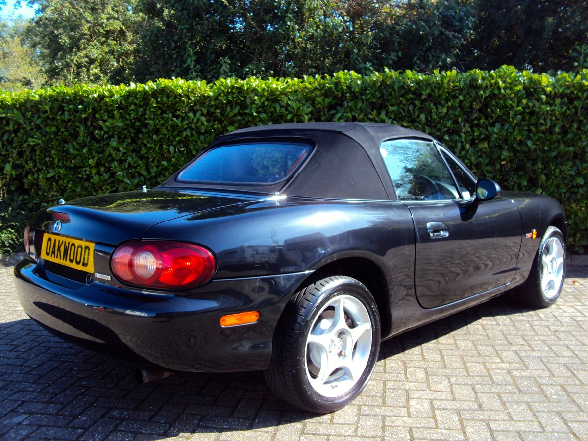 2005 A STUNNING Low Mileage Mazda MX-5 1.8i ICON **37,000 MILES** For Sale (picture 4 of 6)