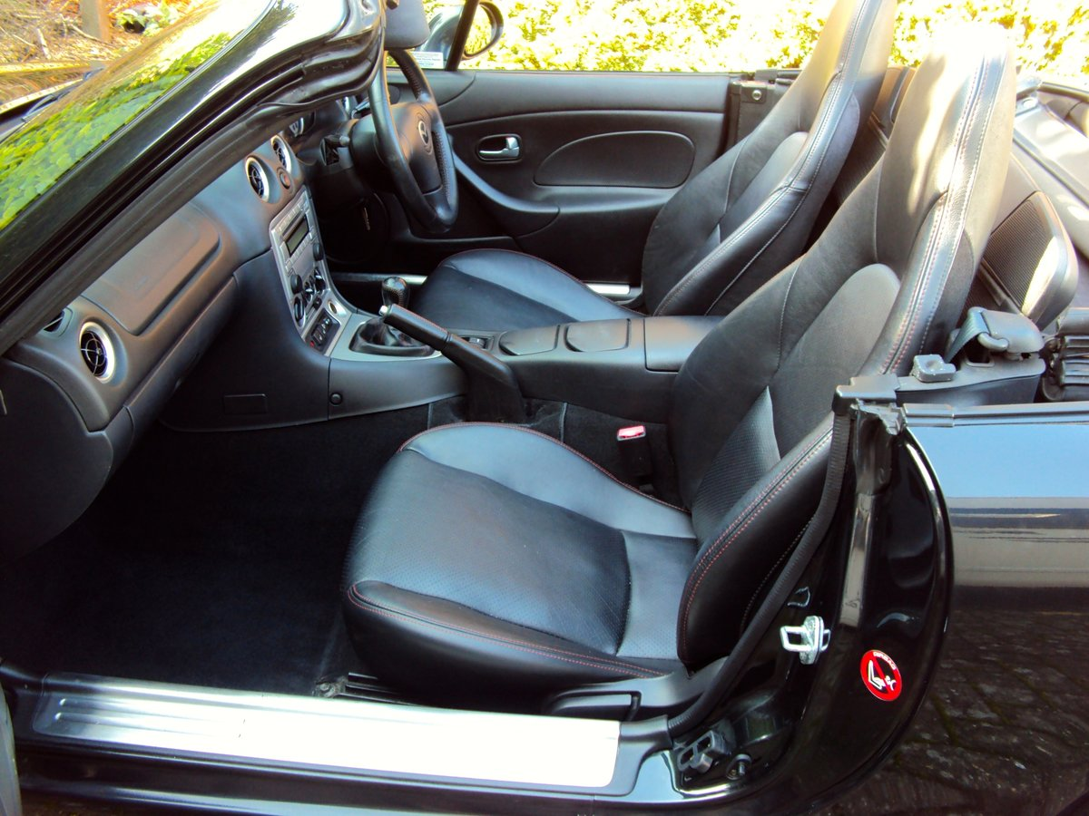 2005 A STUNNING Low Mileage Mazda MX-5 1.8i ICON **37,000 MILES** For Sale (picture 6 of 6)