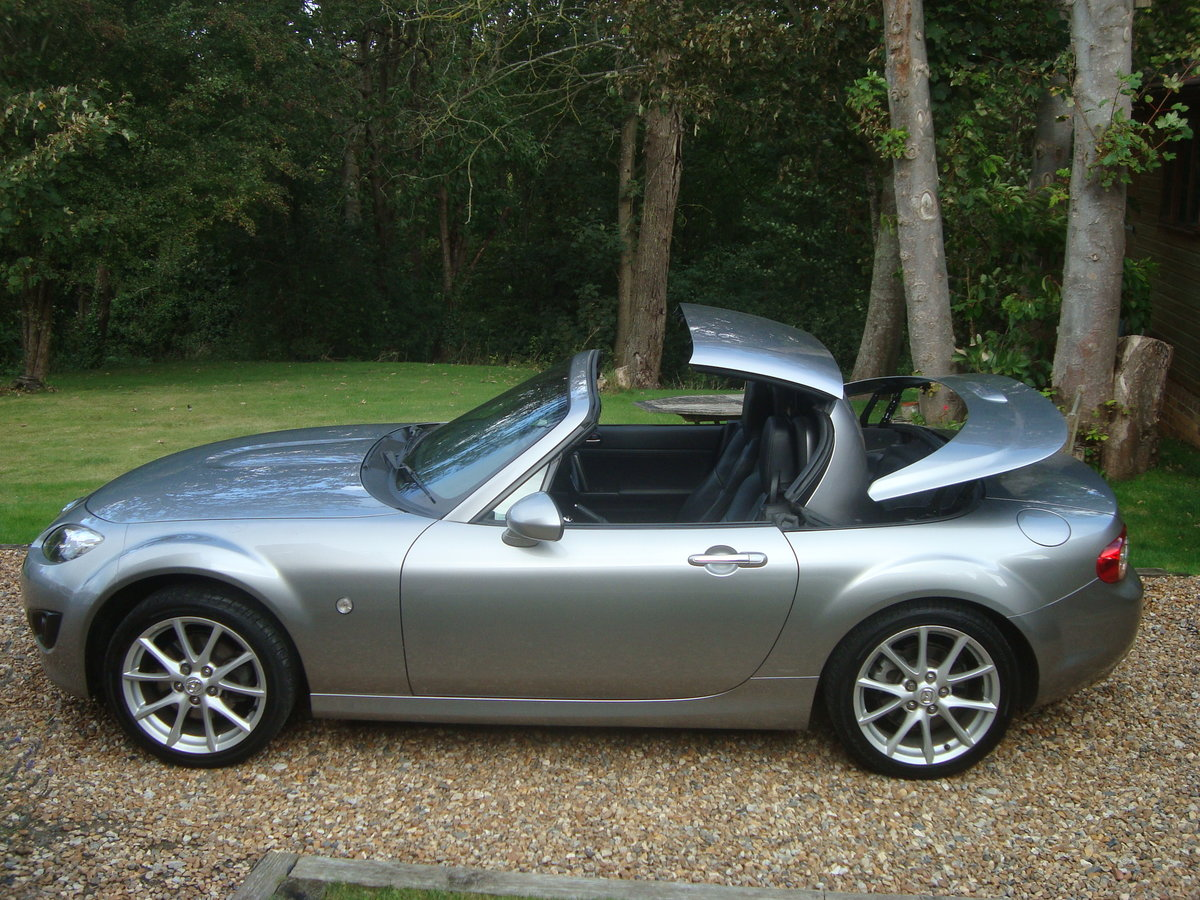 2010 Mazda MX5 2.0 Roadster Sport Electric Folding Roof Coupe. For Sale (picture 1 of 6)