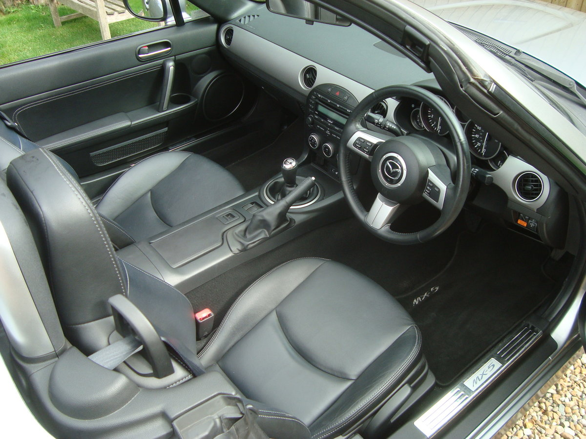 2010 Mazda MX5 2.0 Roadster Sport Electric Folding Roof Coupe. For Sale (picture 4 of 6)