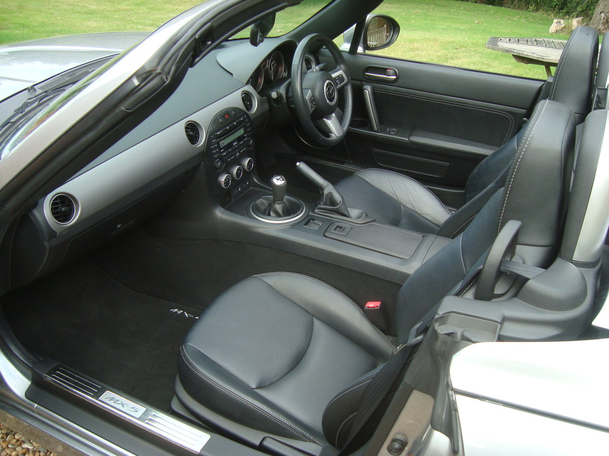 2010 Mazda MX5 2.0 Roadster Sport Electric Folding Roof Coupe. For Sale (picture 5 of 6)