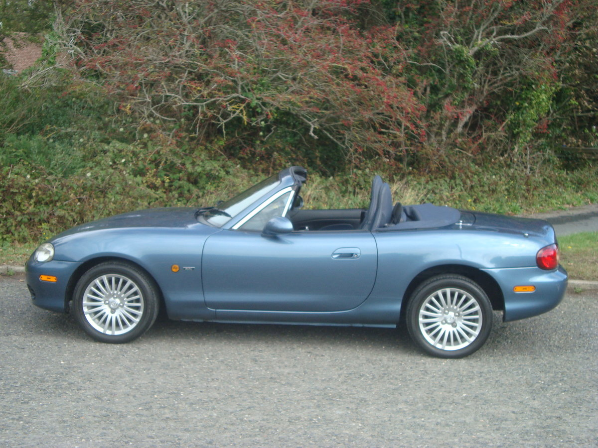 Mazda MX5 1.8i Arctic. 2004.Low mileage.29000 miles. For Sale (picture 3 of 6)