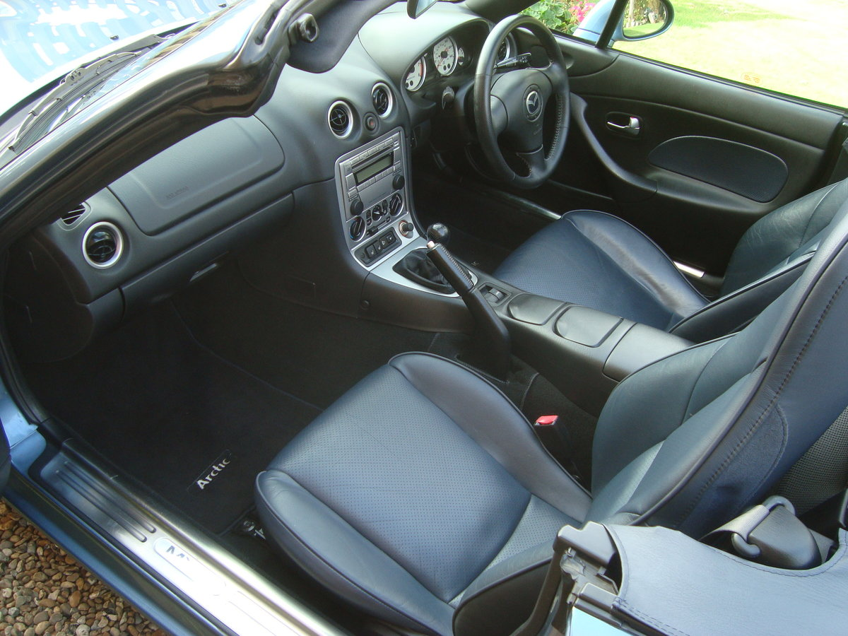 Mazda MX5 1.8i Arctic. 2004.Low mileage.29000 miles. For Sale (picture 5 of 6)
