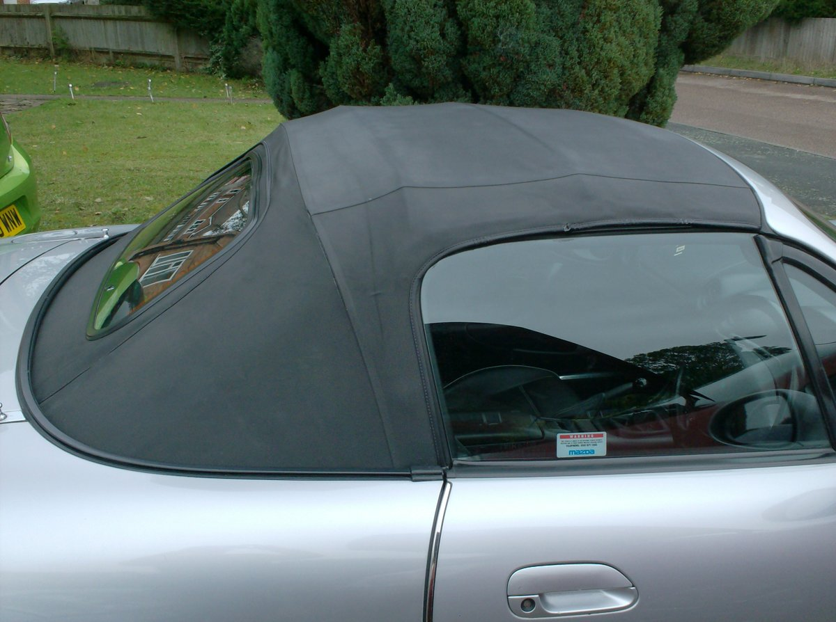 1998 Mazda MX-5 1.8i S Sports Convertible For Sale (picture 5 of 6)