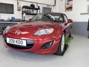 Mr 2010 MAZDA MX-5, 2 LITRE, S.E. VERY LOW MILEAGE