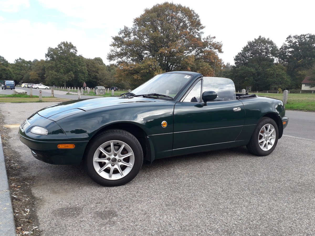 1995 Mazda MX5 MK1 - Full Service History !!23 STAMPS!! SOLD (picture 2 of 6)