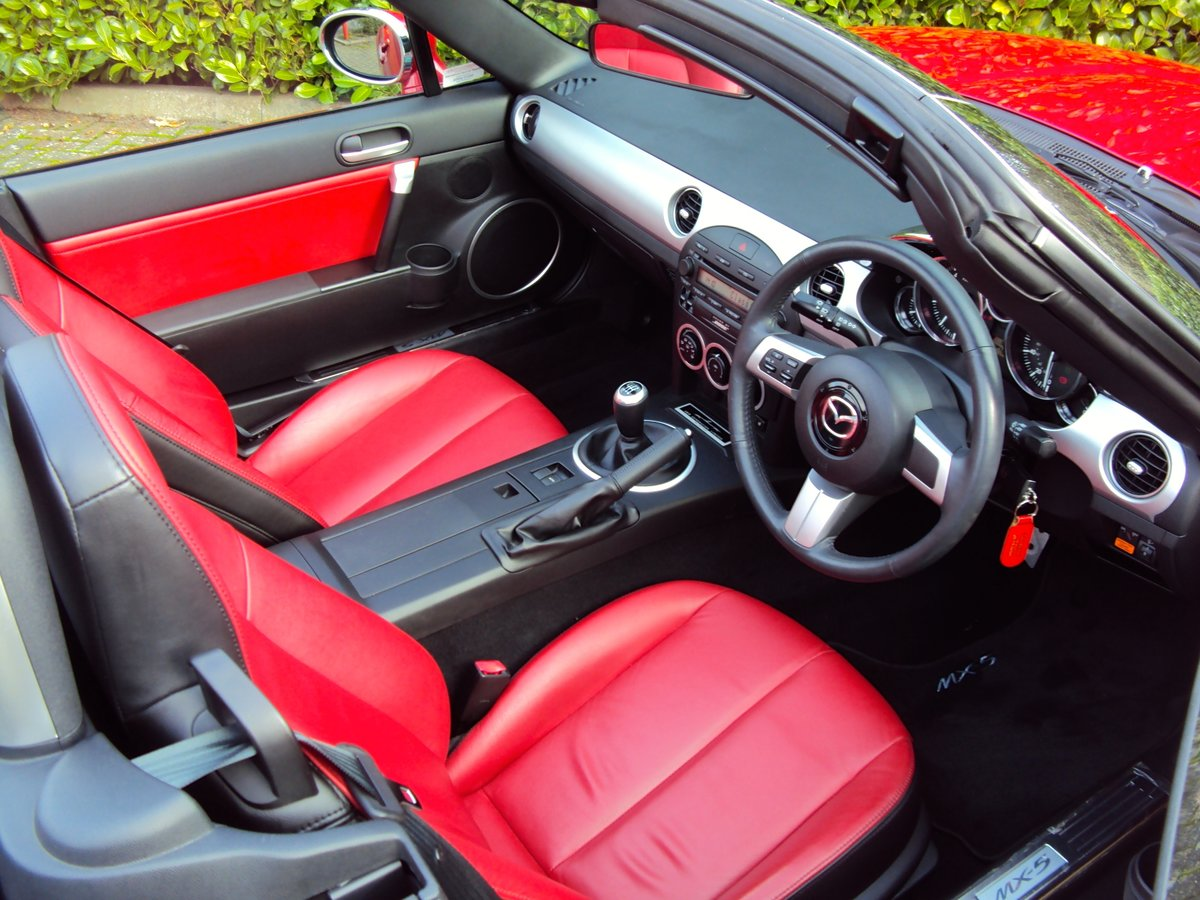 2005 An EXCEPTIONAL MX-5 LAUNCH EDITION **NOW SOLD** For Sale (picture 4 of 6)