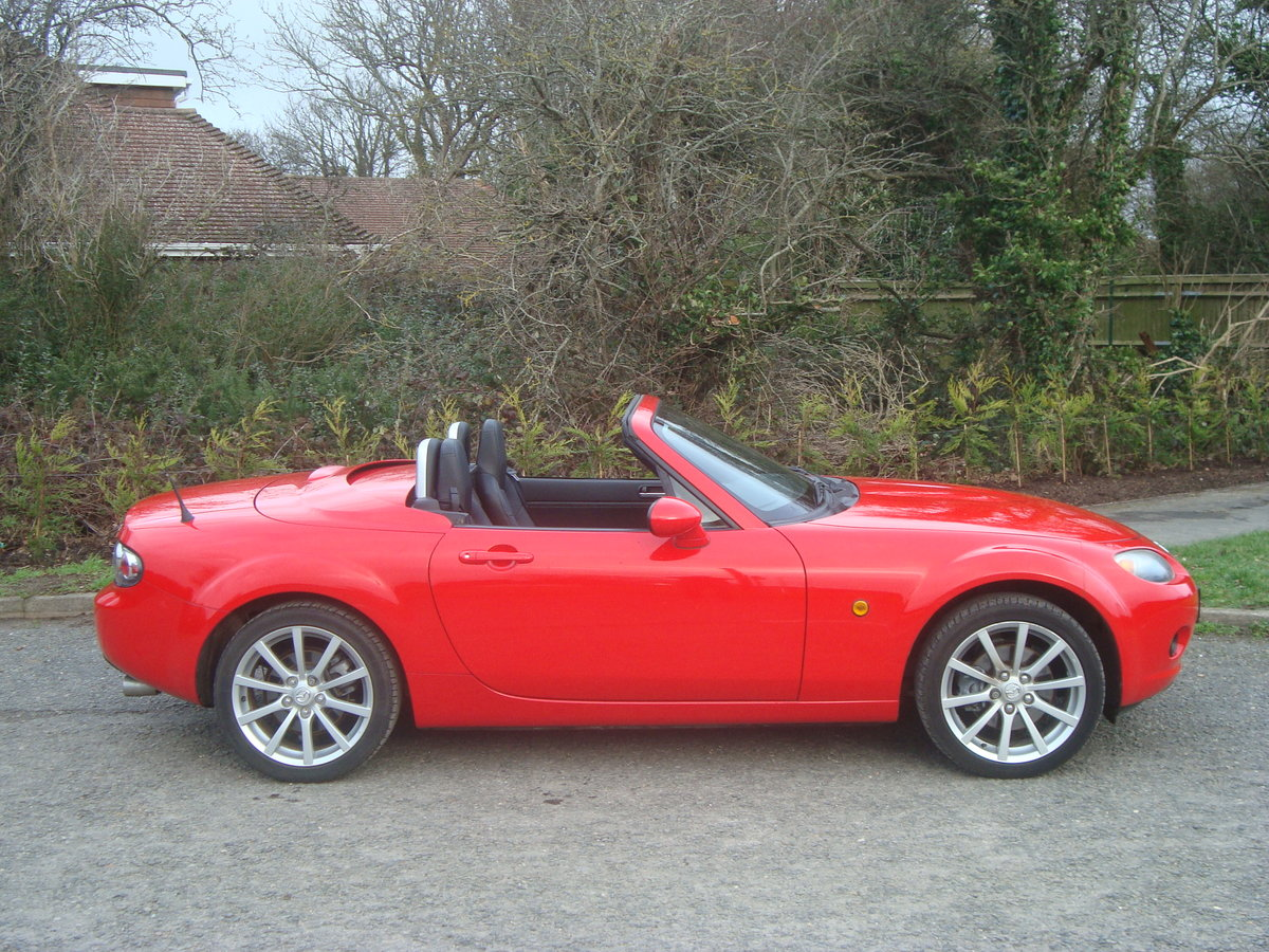 2007 Mazda MX5 2.0 Sport Roadster,2 owners, 21000 miles. SOLD (picture 4 of 6)