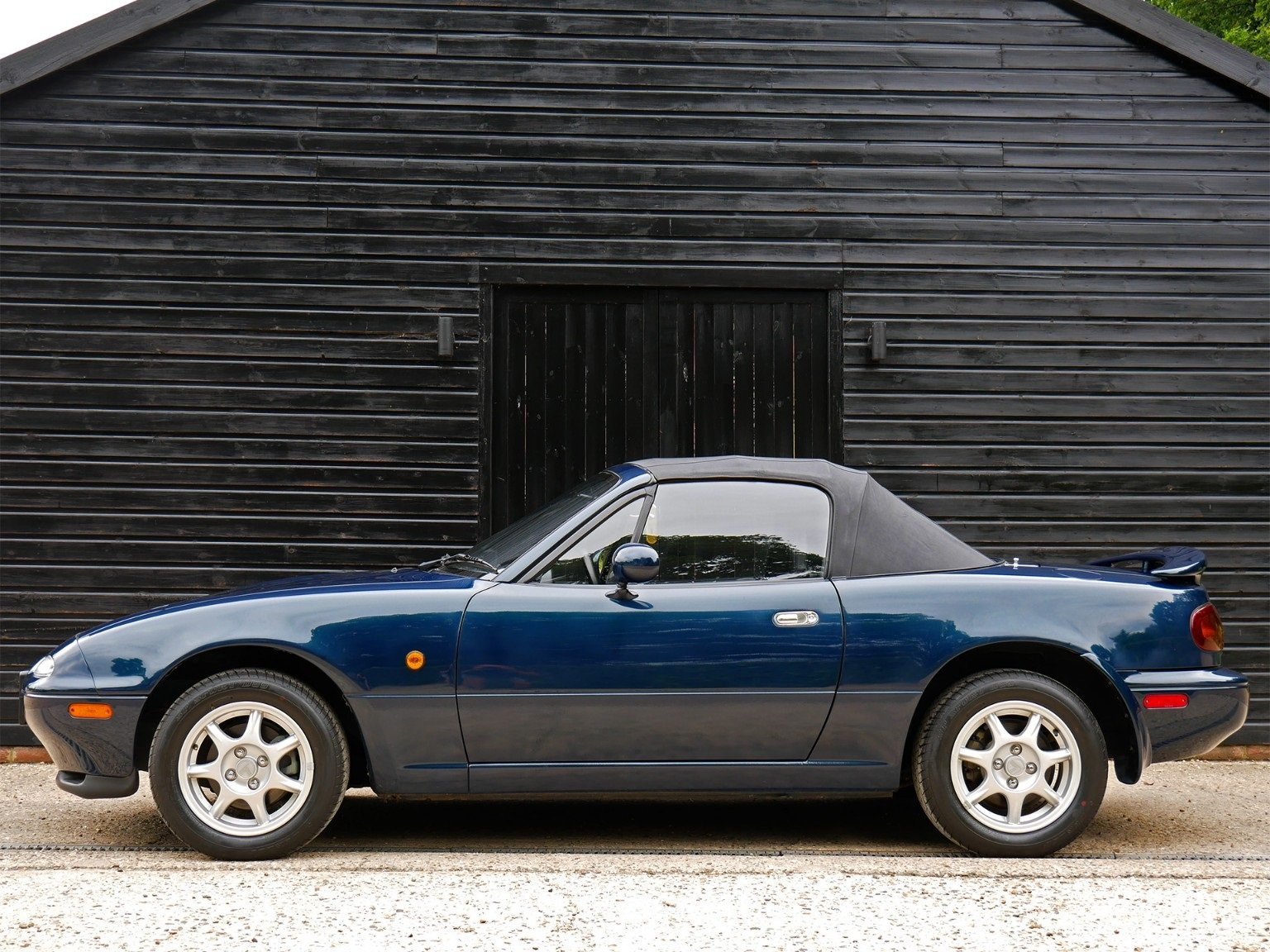 1997 Mazda MX-5 S-Special 1, 1.8 - Eunos Roadster - 3,000 MILES For Sale (picture 2 of 6)