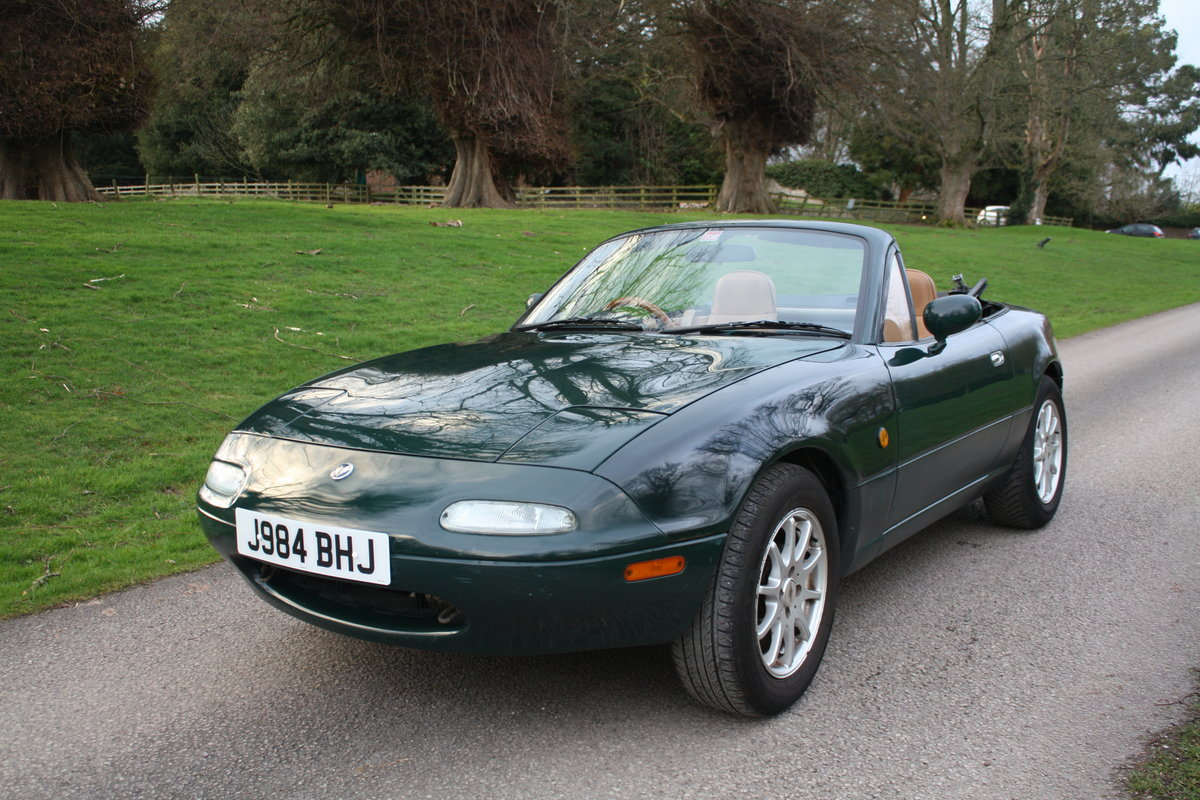 1992 Mazda MX5 MK1 Eunos Roadster (deposit taken)  SOLD (picture 2 of 6)