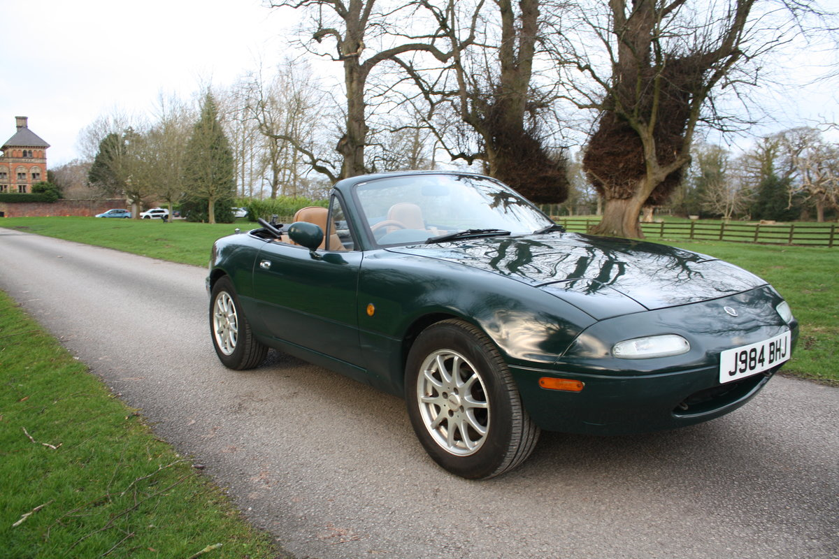 1992 Mazda MX5 MK1 Eunos Roadster (deposit taken)  SOLD (picture 3 of 6)