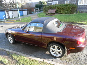 2000 Mx5 MK2 Art Vin Rouge a gem. With hardtop.