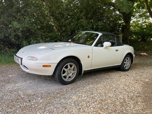 1995 Mazda mx5 1.8is  32,000 miles from new