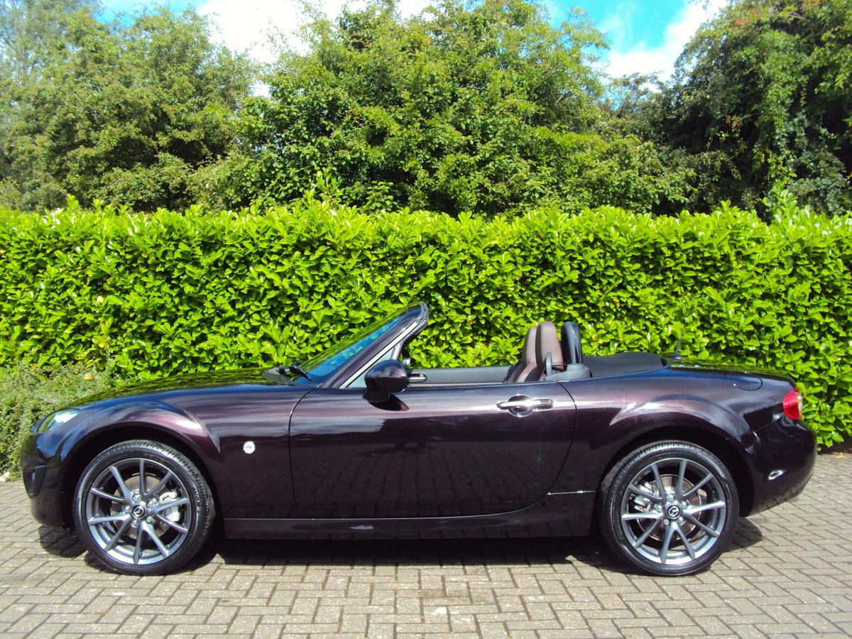 2012 A STUNNING Low Mileage Mazda MX-5 with ONLY 13,000 MILES FSH For Sale (picture 3 of 6)