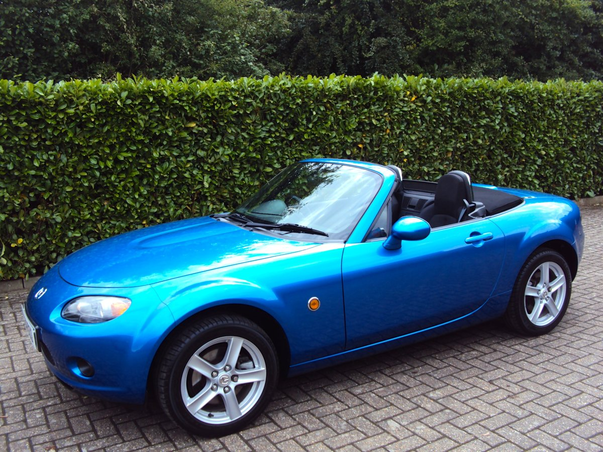 2007 A Lovely Low Mileage Mazda MX-5 2.0i - Same Owner 10 Years For Sale (picture 2 of 6)