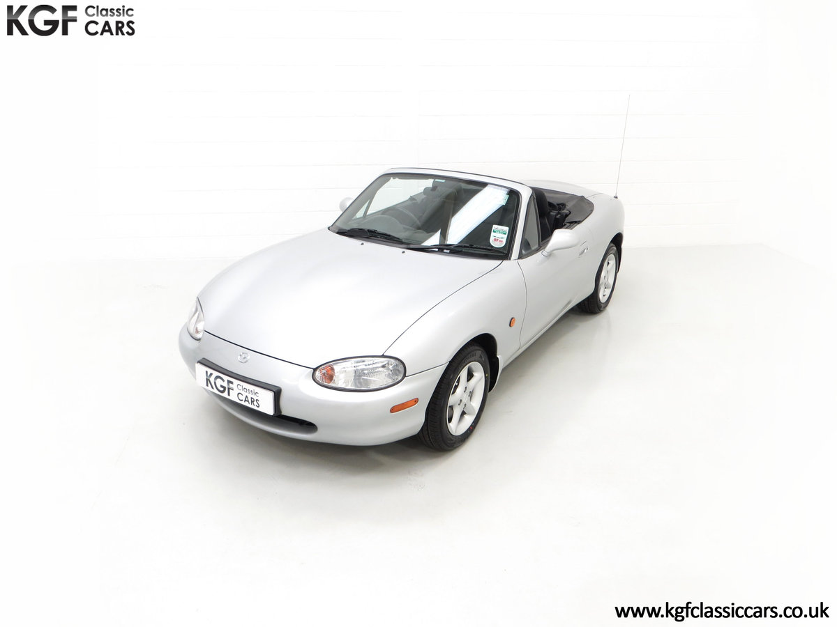 1998 An Immaculate Mazda MX5 1.6i with Only 13,061 Miles SOLD (picture 5 of 24)