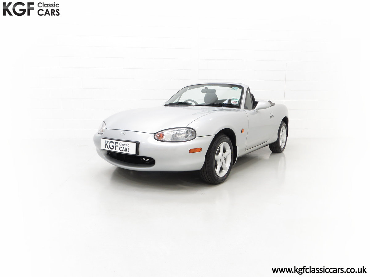 1998 An Immaculate Mazda MX5 1.6i with Only 13,061 Miles SOLD (picture 6 of 24)