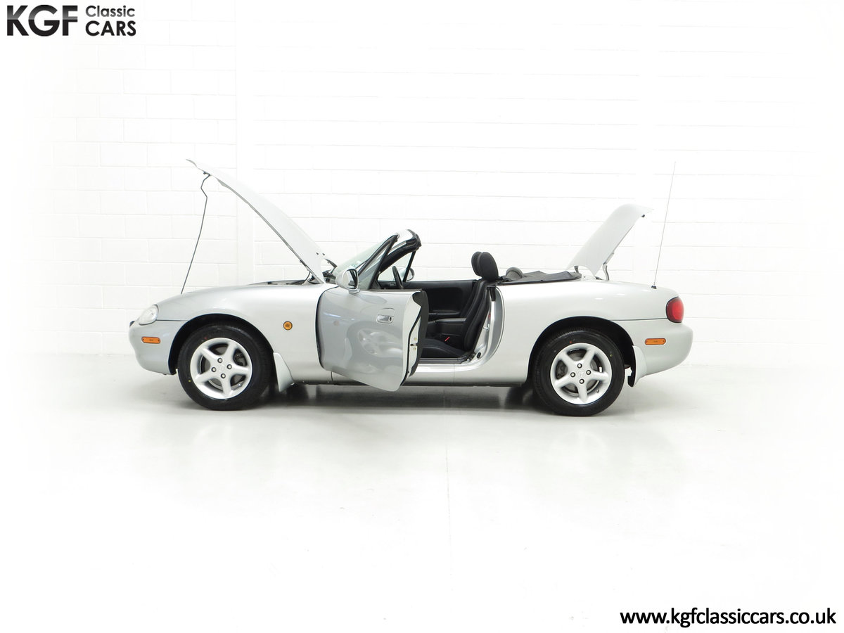 1998 An Immaculate Mazda MX5 1.6i with Only 13,061 Miles SOLD (picture 7 of 24)