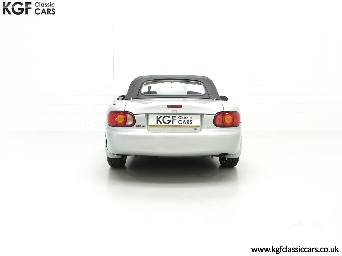 1998 An Immaculate Mazda MX5 1.6i with Only 13,061 Miles SOLD (picture 10 of 24)