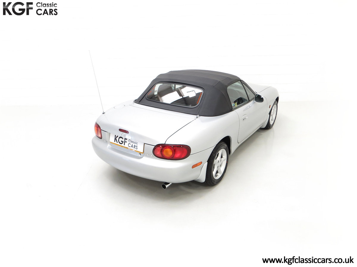 1998 An Immaculate Mazda MX5 1.6i with Only 13,061 Miles SOLD (picture 12 of 24)