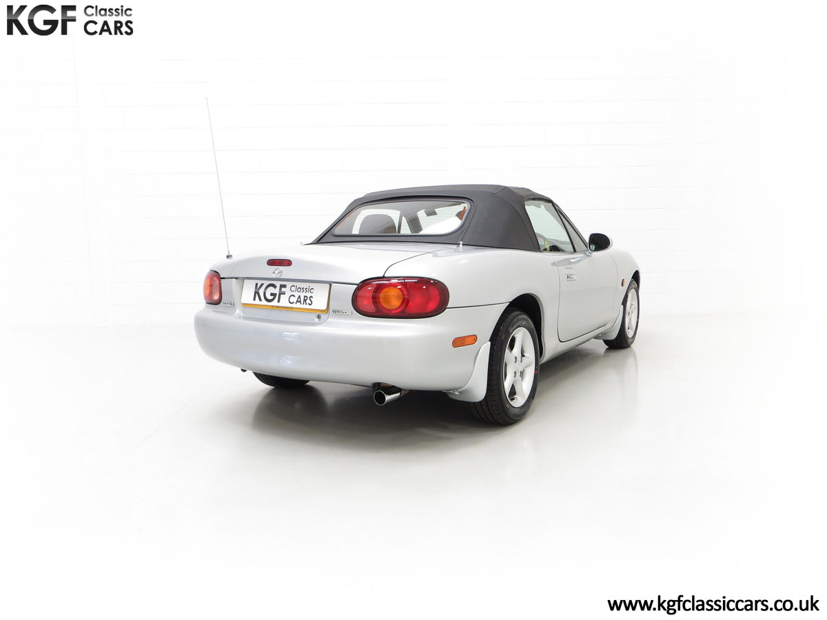 1998 An Immaculate Mazda MX5 1.6i with Only 13,061 Miles SOLD (picture 13 of 24)