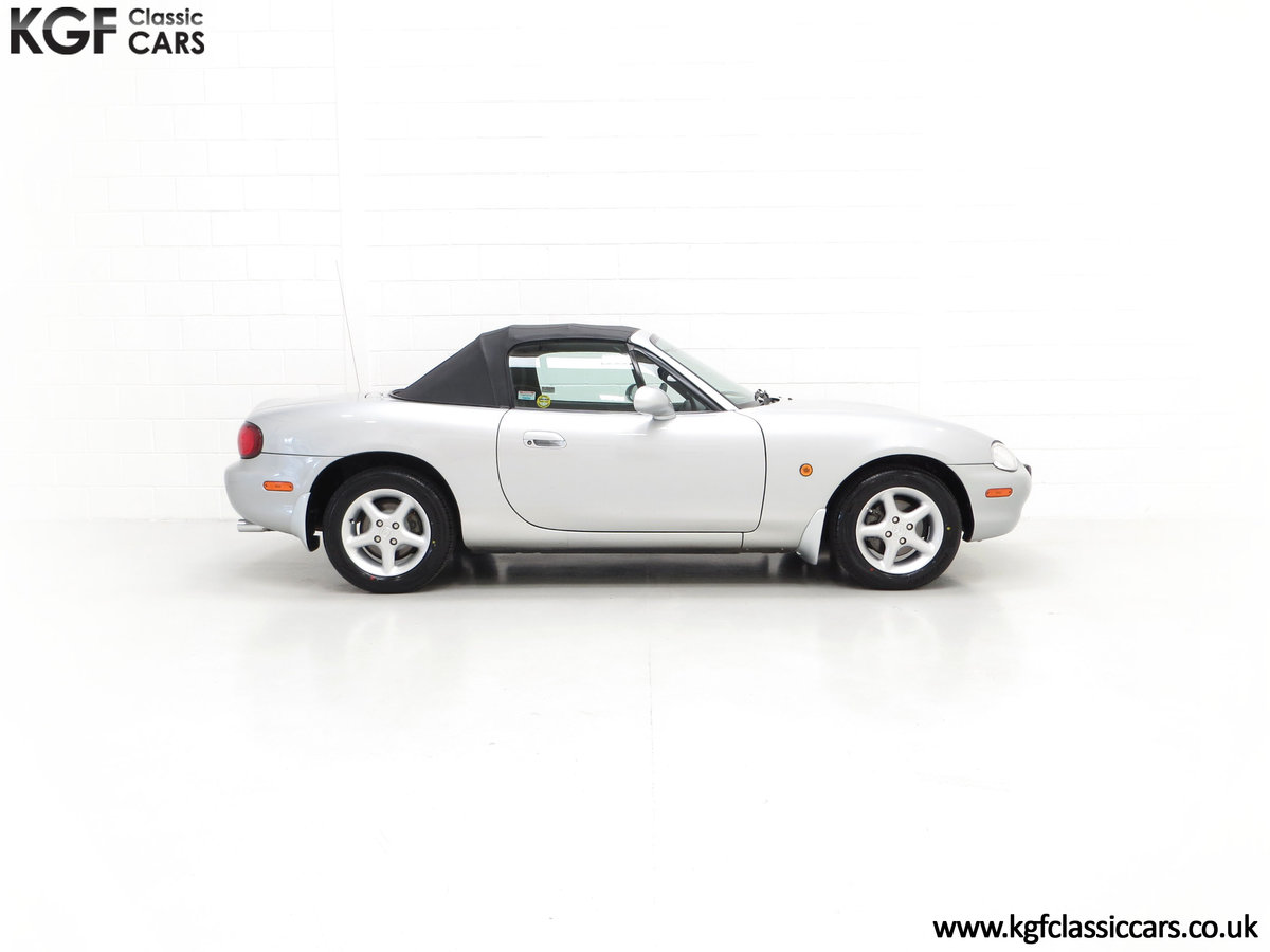 1998 An Immaculate Mazda MX5 1.6i with Only 13,061 Miles SOLD (picture 14 of 24)